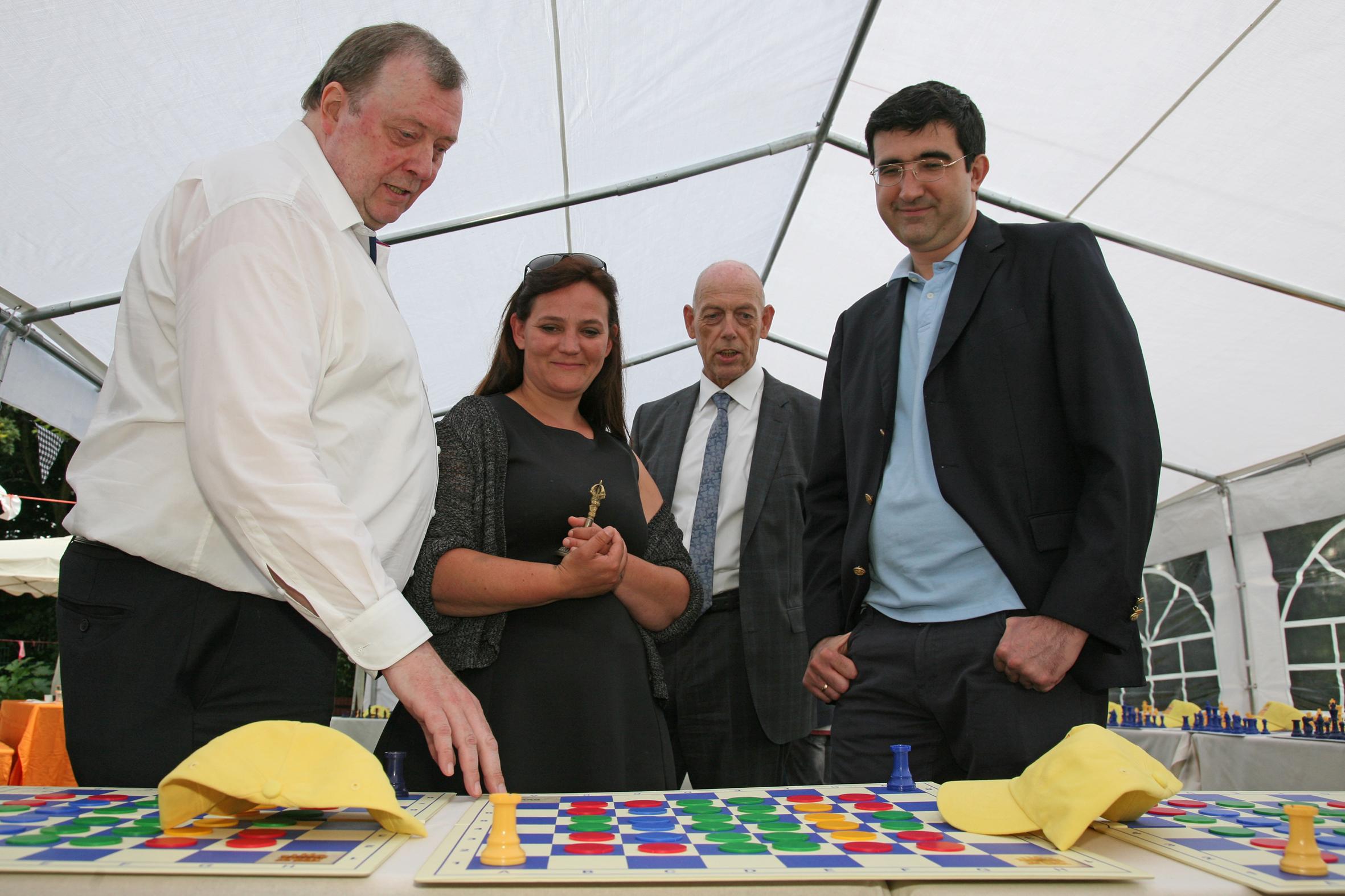 Eine wichtige Persönlichkeit des Schachs wird 60 Jahre!